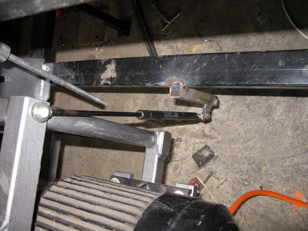 10. Lifting strut IMG_0798.jpg
