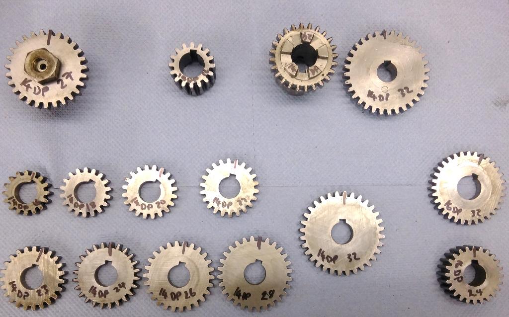 10Lgearbox gears.jpg