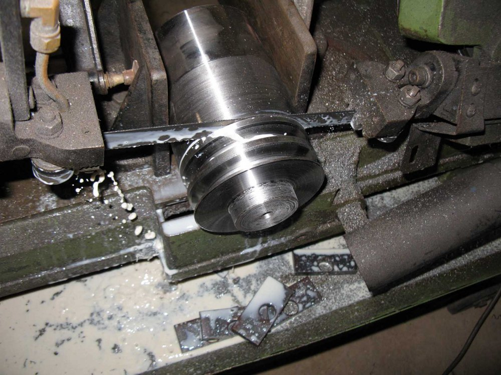 4. Cutting  the twin pulley for the top shaft IMG_0583.jpg