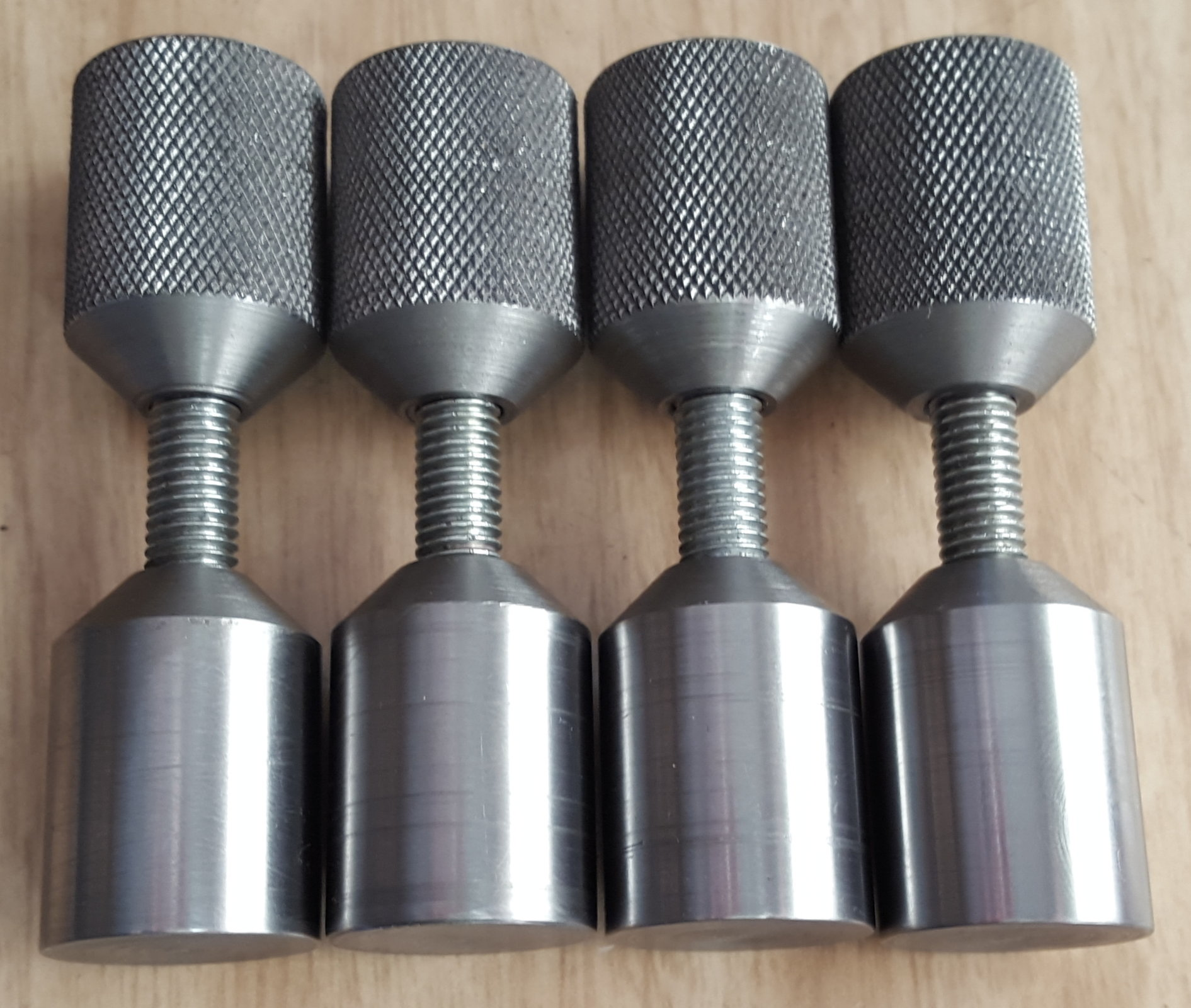 Pipe flange alignment spigots.jpg