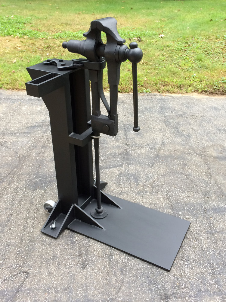 vise-stand-with-vise-1.jpg