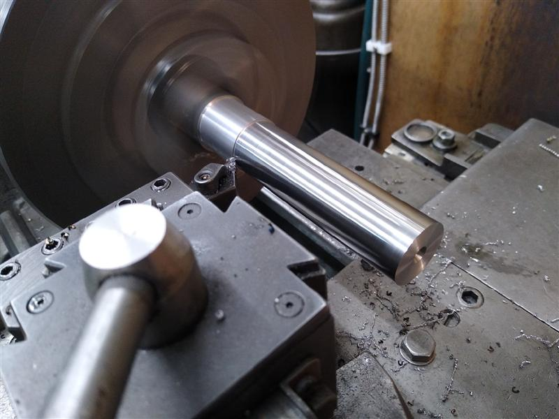 z axis screw 3.jpg