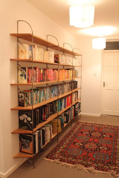 bookshelvesfull.JPG
