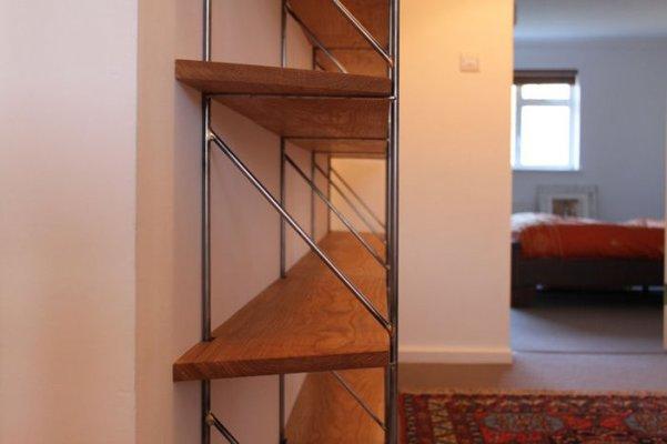 bookshelvesdetail.jpg