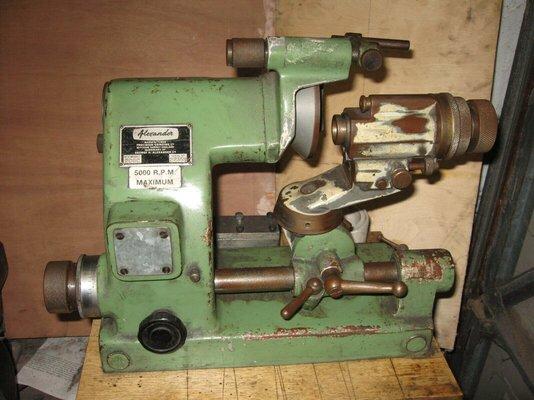 universal tool grinder.jpg