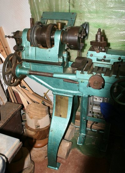Can anyone identify this lathe? | MIG Welding Forum