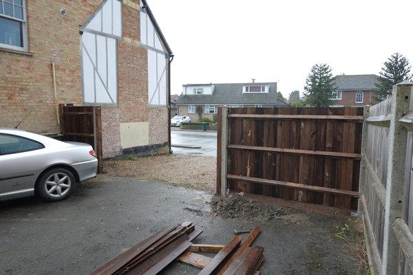 fence-finished.jpg