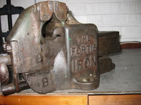Fortis iron vice 011.JPG