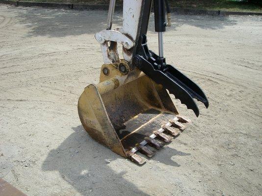 ht830-hydraulic-excavator-thumb-4.jpg