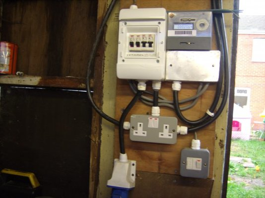 Shed fuse box wire center shed fuse box breaker box wiring diagrams rh parsplus co breaker box car fuse box cheapraybanclubmaster Choice Image
