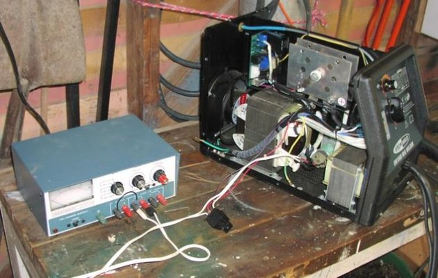 how to realize the feeder control How to check a relay switch  terminal of the battery to the feed terminal on the  a thin wire runs from the control switch on the steering column or .