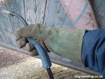 welding gloves (gauntlets)
